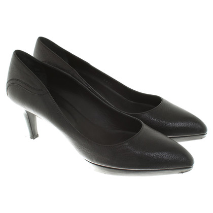 Bally Leather pumps in black
