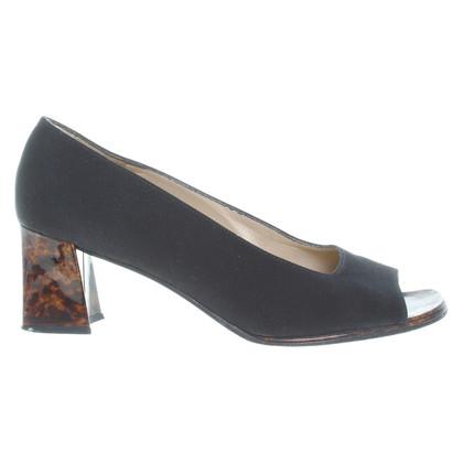 Stuart Weitzman Peep-toes in black