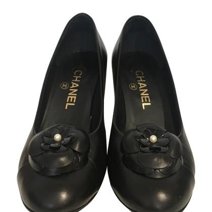 Chanel pumps in nero