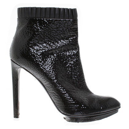 Alexander McQueen Ankle boots made of patent leather