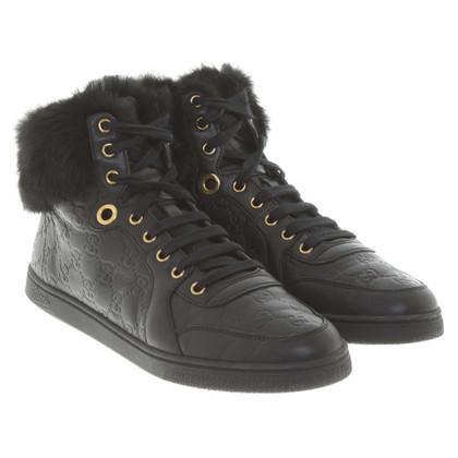 Gucci Sneakers con pelliccia