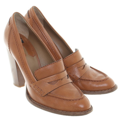 D&G pumps in Brown