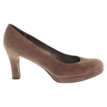 Stuart Weitzman pumps in Brown