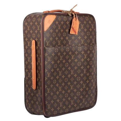 louis vuitton koffer mit monogramm muster second hand louis vuitton koffer mit monogramm. Black Bedroom Furniture Sets. Home Design Ideas