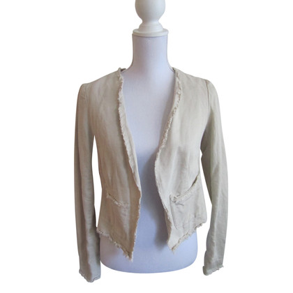 Closed linen jacket