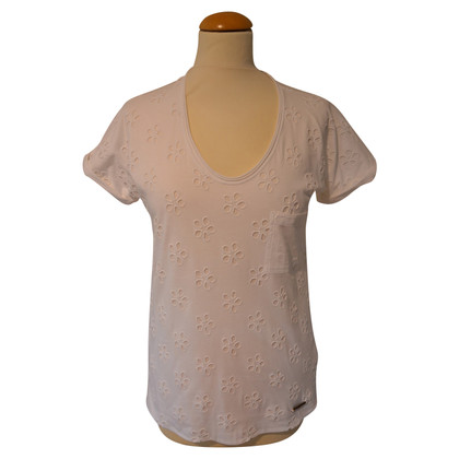 Burberry T-shirt with hole embroidery