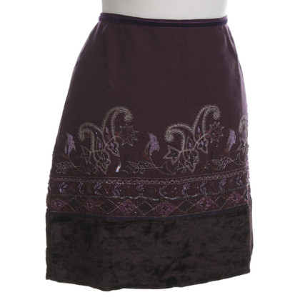 Dorothee Schumacher skirt with decorative embroidery