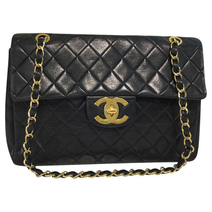 Chanel Classic Flap Bag Jumbo