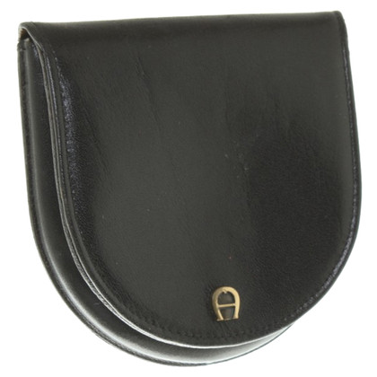 Aigner Holder in leather