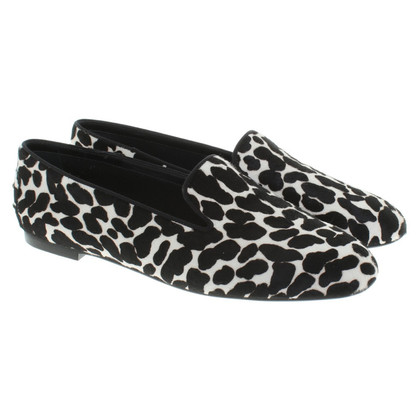 Tod's Slippers in animal design