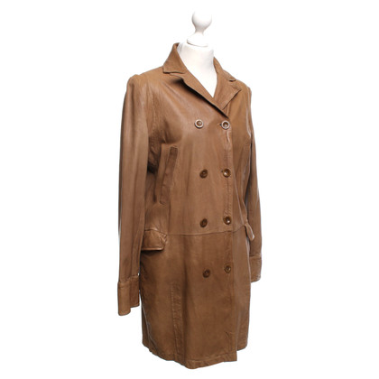Closed Leather coat in ocher