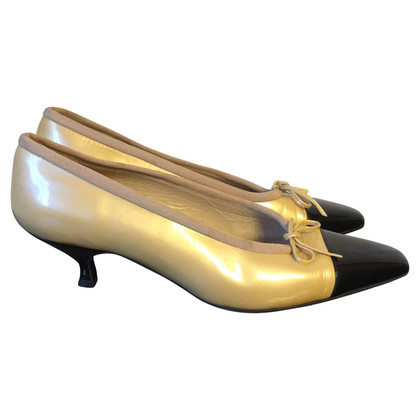Chanel Vintage Chanel Pumps T.37