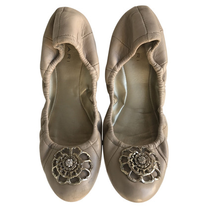 Tahari Ballerina's