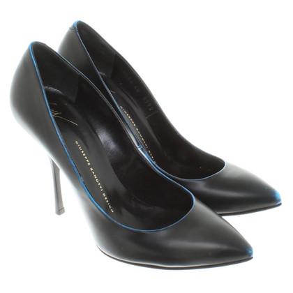 Giuseppe Zanotti pumps in black / blue