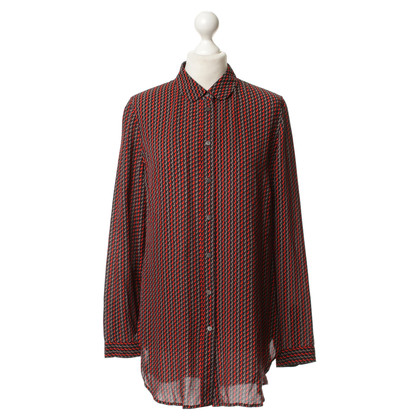 Closed Silk blouse with patterns
