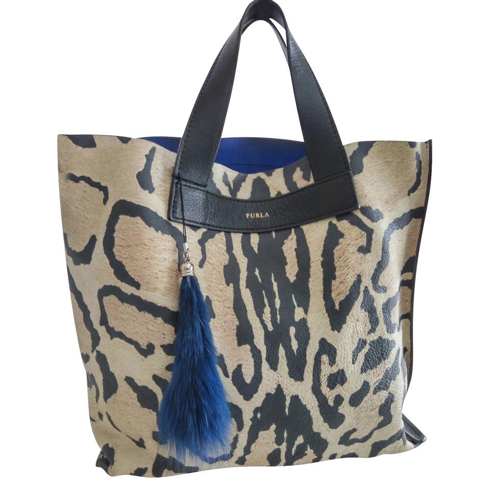 furla handtasche second hand furla handtasche gebraucht kaufen f r 215 00 2340925. Black Bedroom Furniture Sets. Home Design Ideas