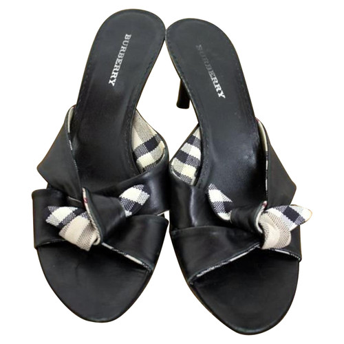 cdd939b73d54 Burberry Sandals Leather in Black - Second Hand Burberry Sandals ...