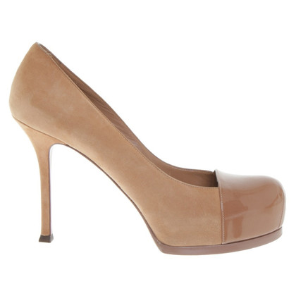 Yves Saint Laurent pumps in oker