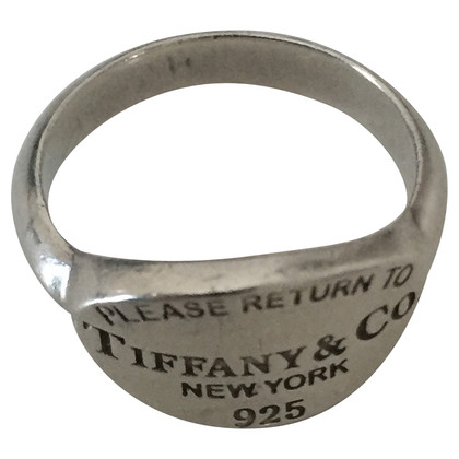 Tiffany & Co. Return to Tiffany ring