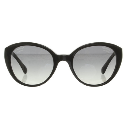 Chanel Sunglasses in black