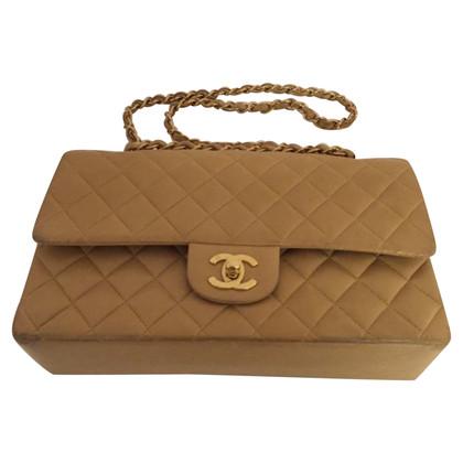 "Chanel ""Classic Flap Bag Medium"" in beige"
