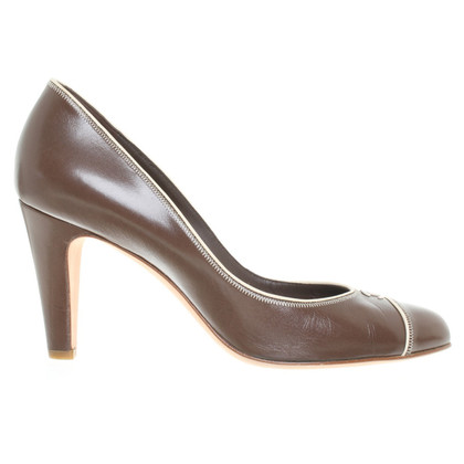 Chanel pumps in Brown