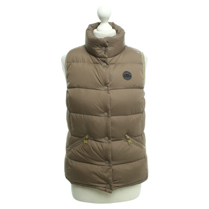 Closed Vest in brown