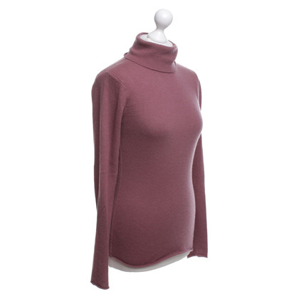 Dear Cashmere Roll collar sweater in Bordeaux