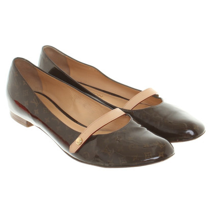 Louis Vuitton Ballerinas aus Lackleder in Braun