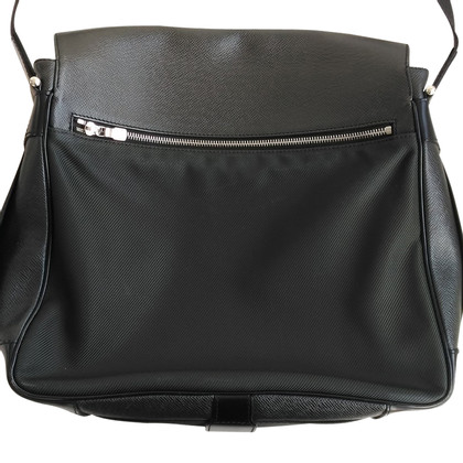 Louis Vuitton Messenger Bag van Taiga Leather