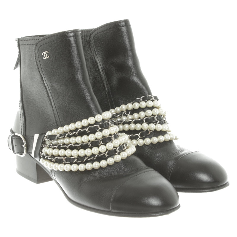 Chanel Ankle boots Leather in Black