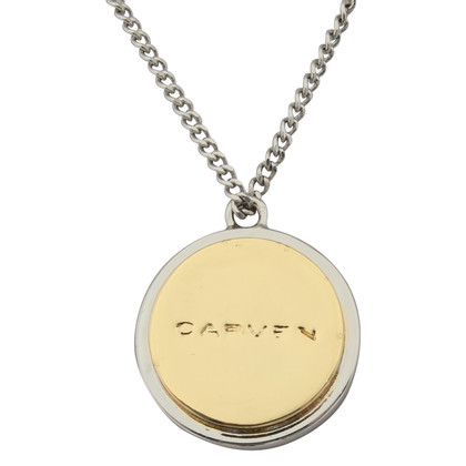 Carven Chain with pendant