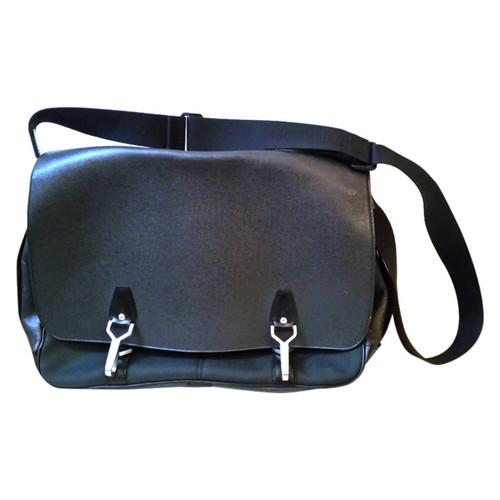 1c5560062a Louis Vuitton sac homme - Acheter Louis Vuitton sac homme d'occasion ...