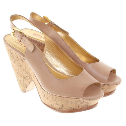 Michael Kors Peeptoes in nude