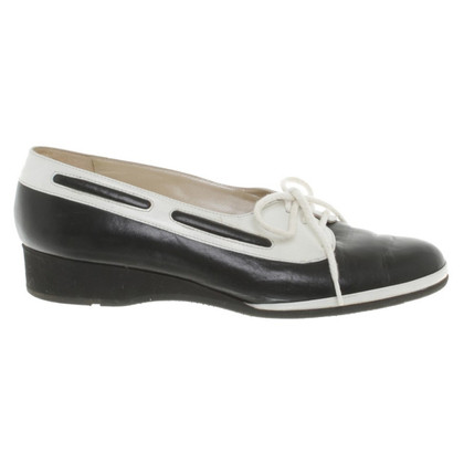 Bally Lace-up leather shoes