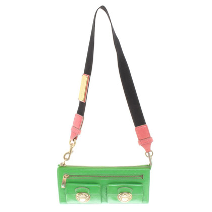 Marc Jacobs clutch in neon groen