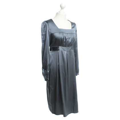 Style Butler Silk dress in grey