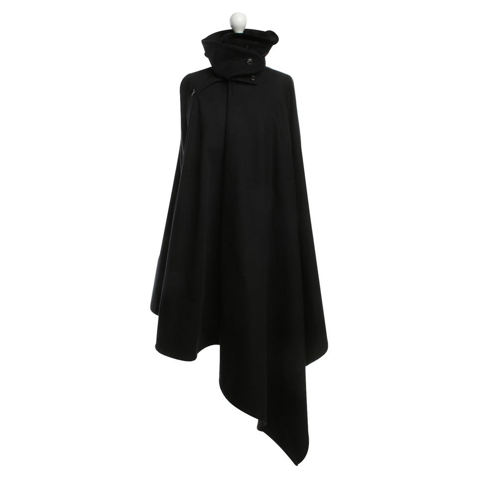 Yohji Yamamoto Cape in black