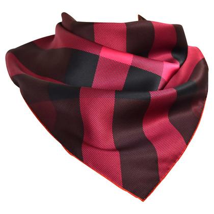 Burberry Modello di sciarpa di seta Nova check
