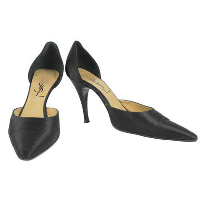 Yves Saint Laurent Satin pumps